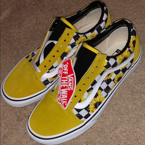 85257271d804d NWT CUSTOM Yellow Checkered Sunflower Vans NWT